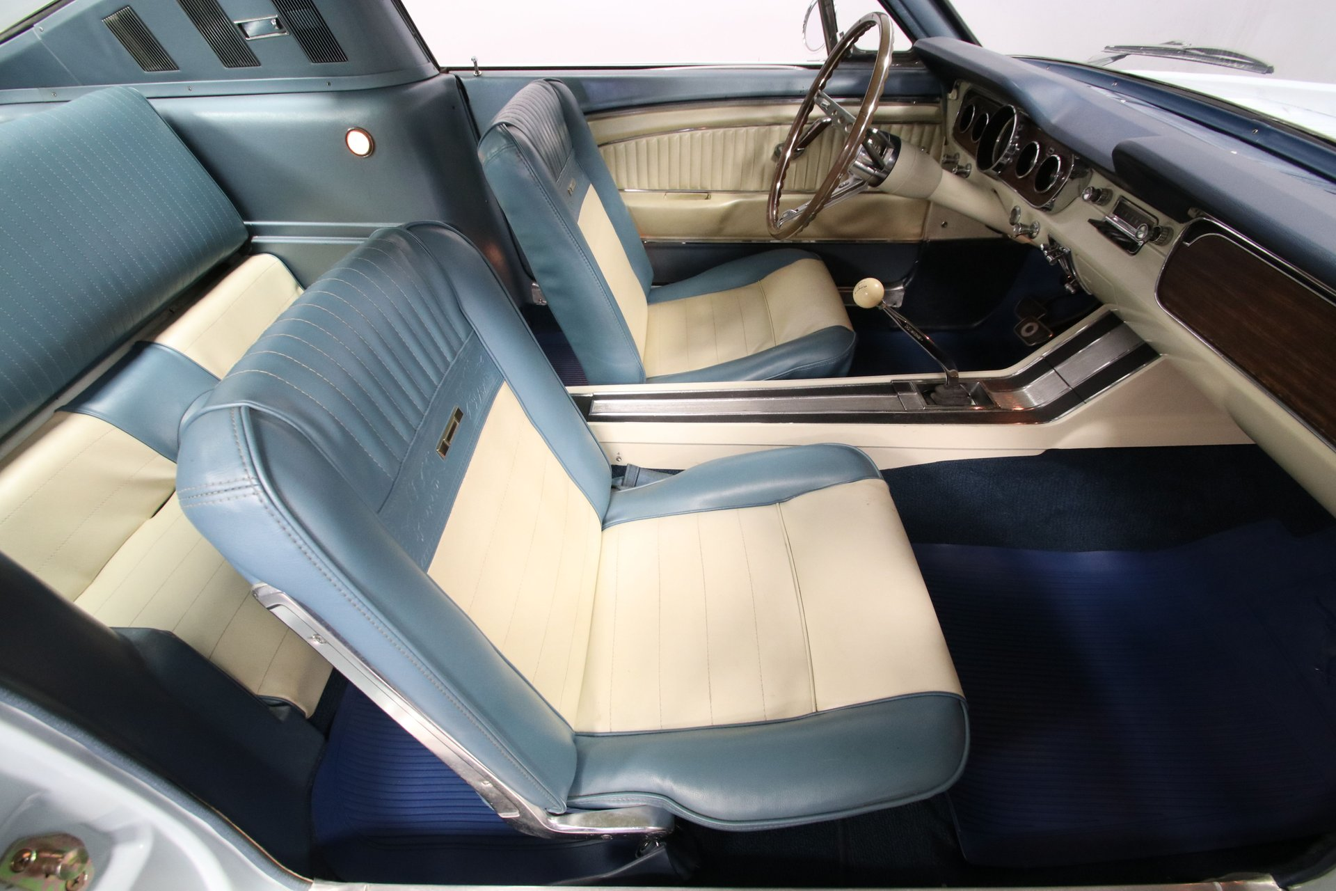 Mustang Fastback GT 289 ci V8 Code A Automatique 196548 360 €