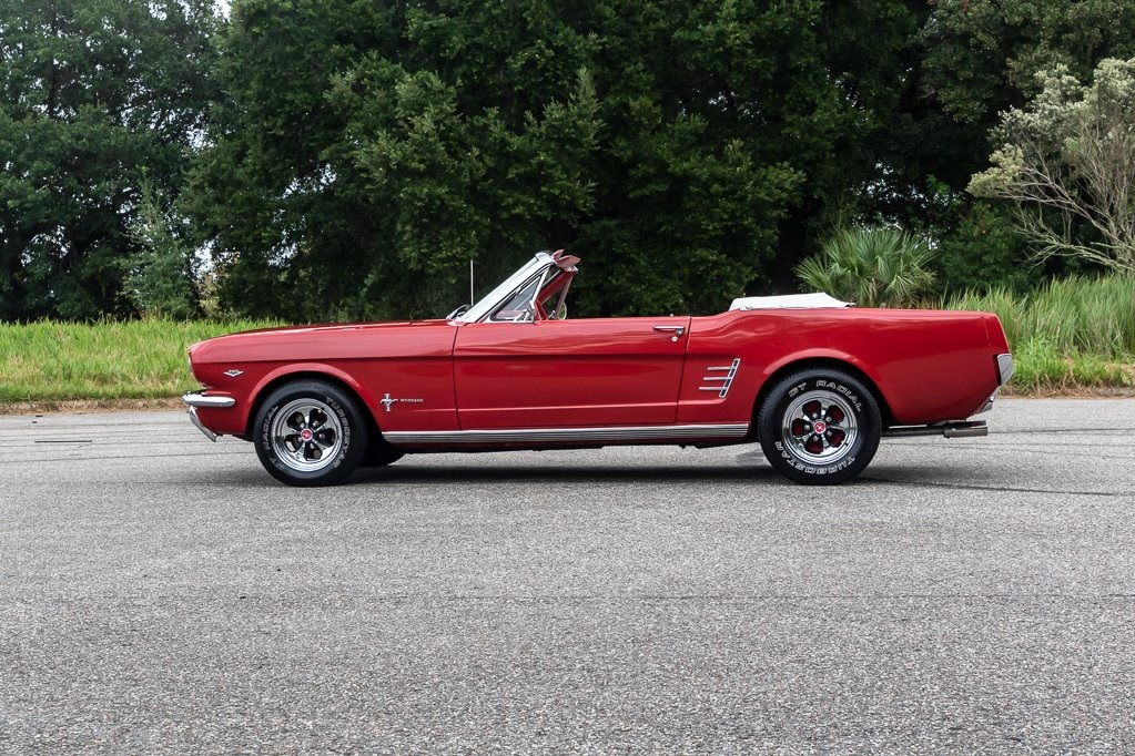 Mustang cabriolet 289 ci V8 Code C Automatique 1966 36 758€