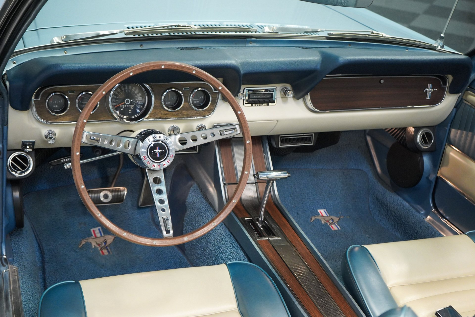 Mustang cabriolet Pony Deluxe 289 ci V8 Automatique 1966 43 148€