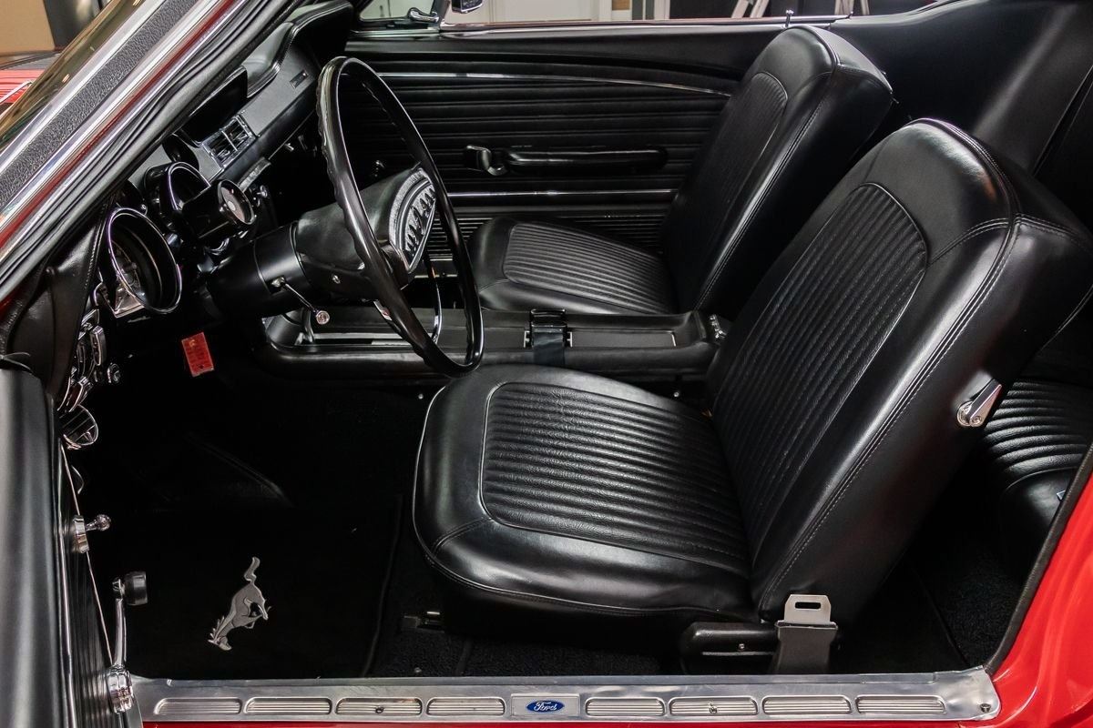 Mustang coupe GT 390 ci V8 Code S Automatique 196866 905 €