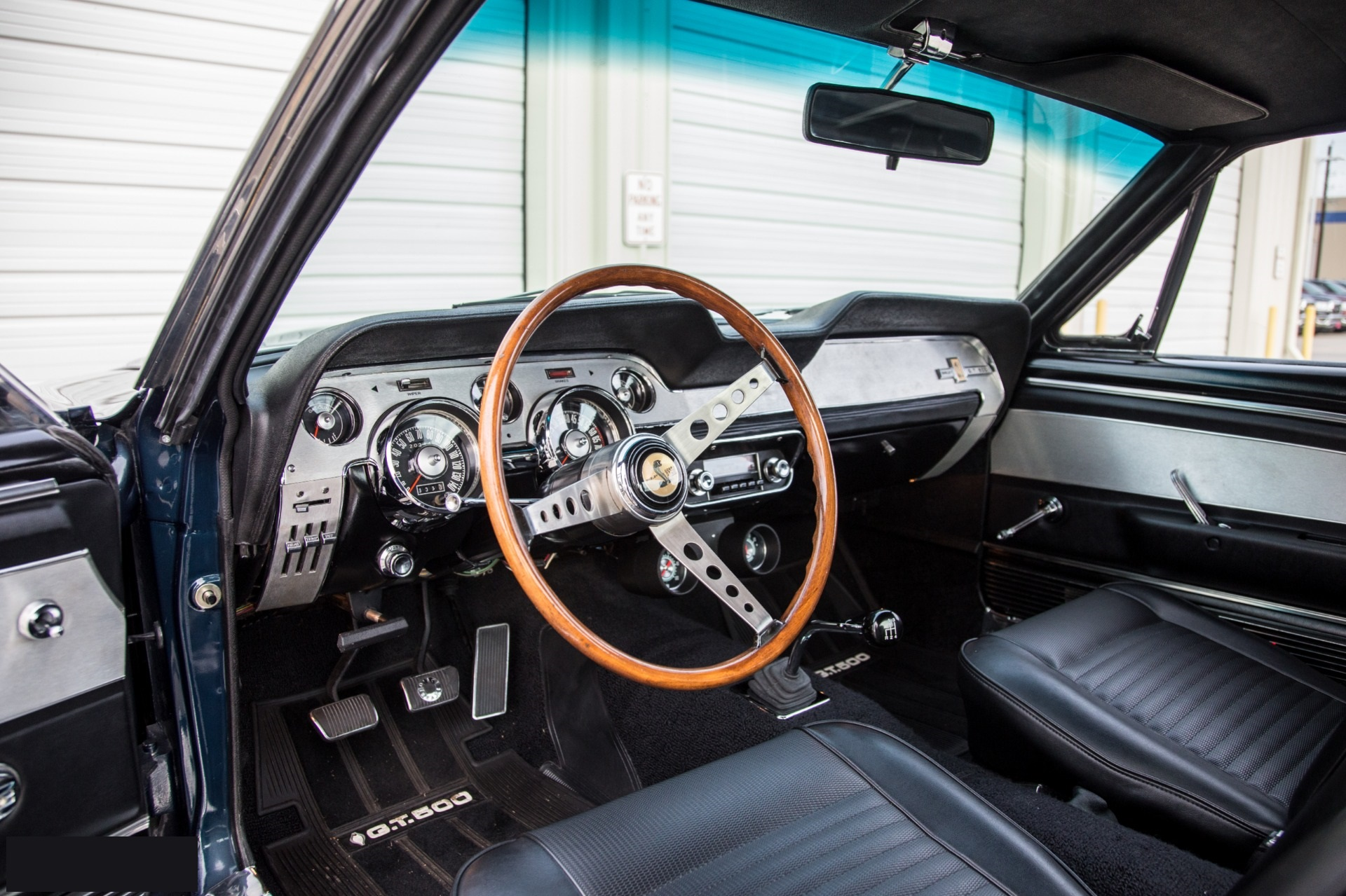 Mustang Fastback Shelby GT500 428 ci V8 manuelle 1967276 944 €